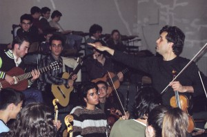 Working with students at the Hacettep Conservatoire, Ankara, Turkey, 2007. Photo: Can Ozgun