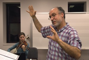 Michael Rose in workshop with student composers and performers 2006. Photo: Richard Bram 2006