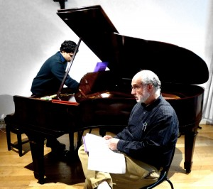 Michael Alec Rose and Zubin Kanga prepare to give a SOUNDBOX on the new piecce, 'Sui Generis'